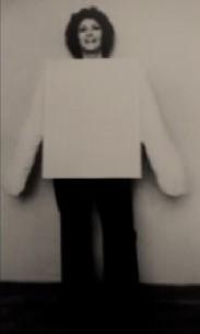"""Fig. 12 """"Tela Rosa para Vestir"""", 1969, Helena Almeida"""